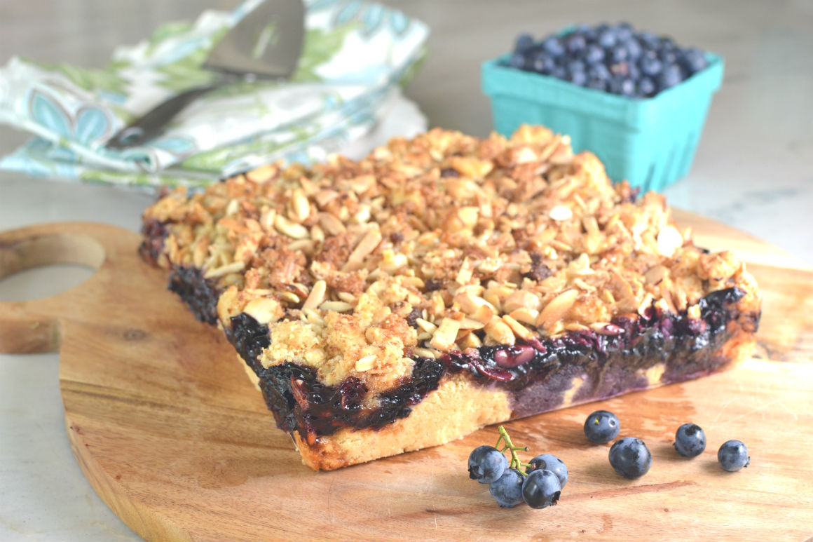 Blueberry Almond Crumble
